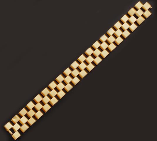 A French fancy-link bracelet
