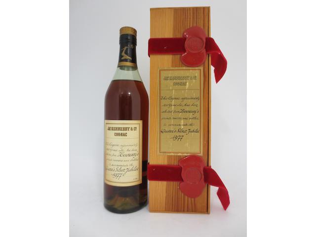 Hennessy Queens Silver Jubilee Cognac (1)