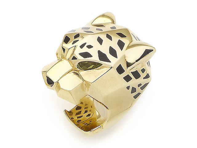 A lacquer, peridot and onyx 'Panthère' ring, by Cartier