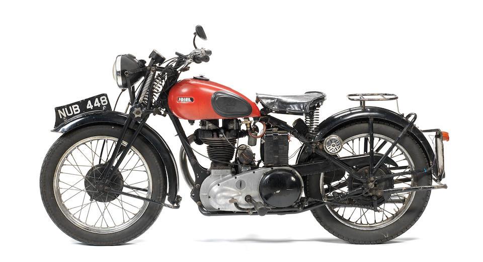 c.1940 Ariel 348cc W/NG Frame no. XG14821 Engine no. BH4188