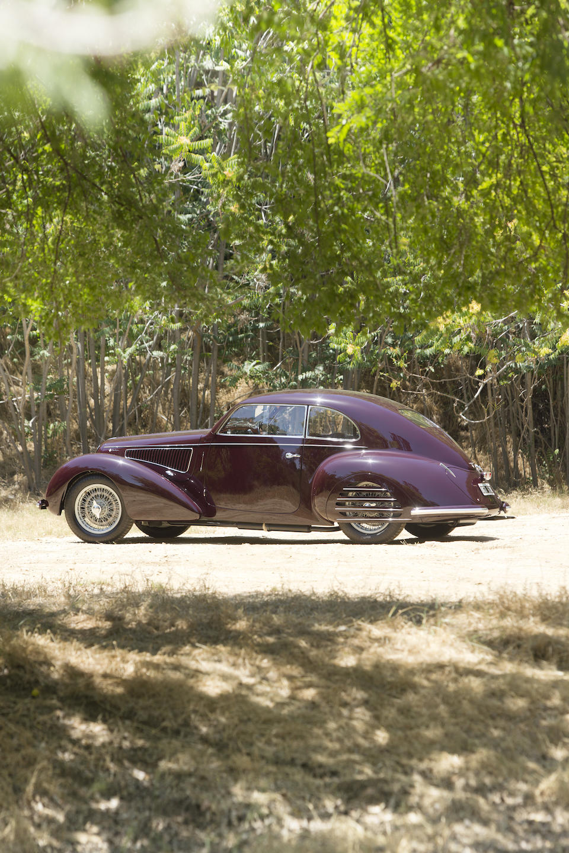 Exposée au Concours d'Élégance de Pebble Beach ,Alfa Romeo 6C 2300B berlinette 1937
