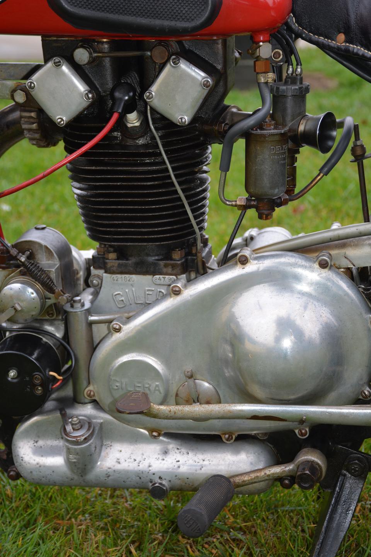 Gilera 500 cm3 Modèle VT « 8 Bulloni » 1938  Frame no. 6877 Engine no. 428210
