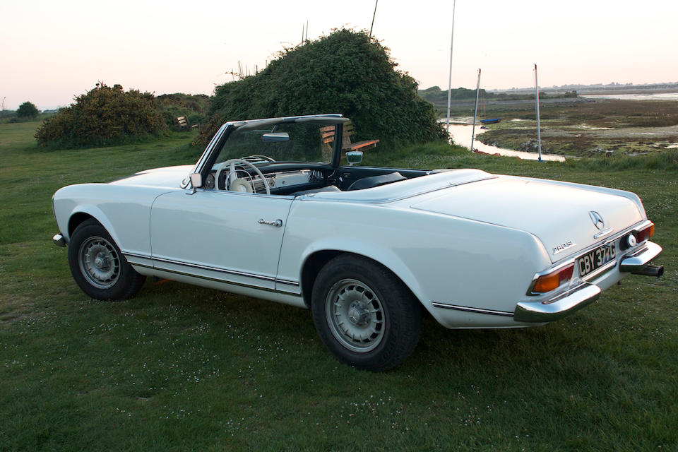 1969 Mercedes-Benz 280 SL Convertible with Hardtop  Chassis no. 113044 10 008746 Engine no. 130983-10-003380