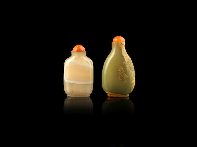 A yellow and russet jade snuff bottle 18th/19th century (4)