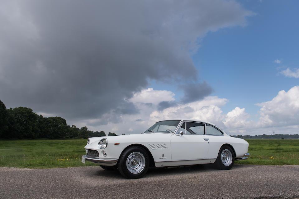 Ferrari  330GT 2+2 1e série coupé 1964