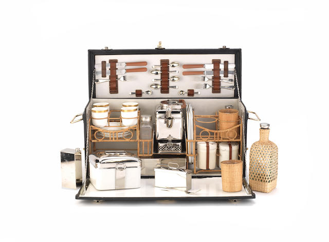 A fine cased picnic set for four persons by G W Scott & Sons, circa 1909,