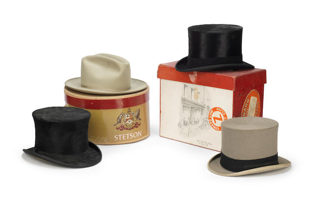 A group of hats and hat boxes (Qty)