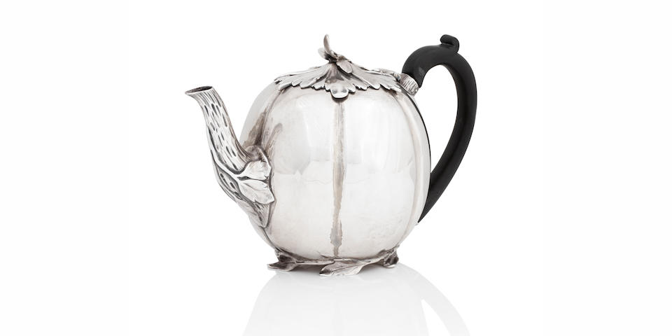 A William IV silver teapot by Barnard & Barnard, London 1836