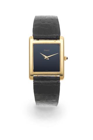 Piaget. An 18K gold manual wind square form wristwatch Ref: 908, Circa 1990