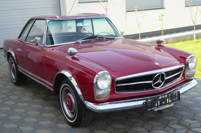 1967 Mercedes-Benz 230 SL Roadster with Hardtop  Chassis no. 11304212011961