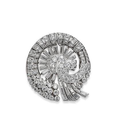 A 1940s diamond double clip brooch