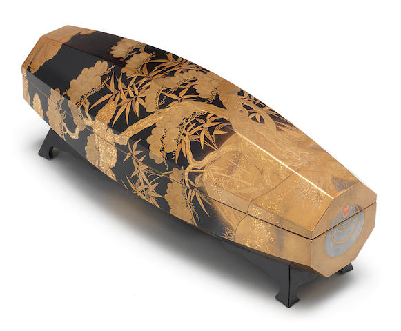 ARTIST UNKNOWN 作者不詳 WRITING BOX WITH AUSPICIOUS DESIGNS, IN THE SHAPE OF A CHILD'S BURIBURI TOY 松竹亀蒔絵振振形硯箱 Meiji era (1868–1912), late 19th–early 20th century