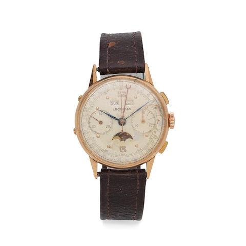 Leonidas. An 18K gold manual wind triple calendar chronograph wristwatch with moon phase Circa 1950