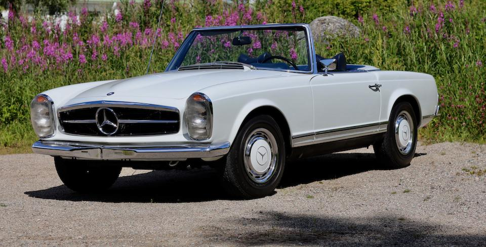 Ultra-rare and desirable ZF five-speed gearbox and limited-slip differential from new,1968 Mercedes-Benz 280 SL ZF 5-speed gearbox Convertible with Hardtop  Chassis no. 113-044-10-004805