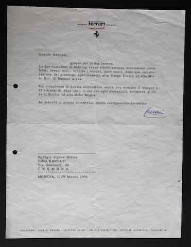 Lettre dactilographiée signée Enzo Ferrari  16x21 cm