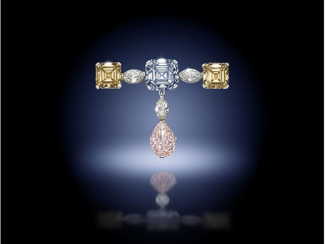 A fine fancy-coloured diamond pendent brooch