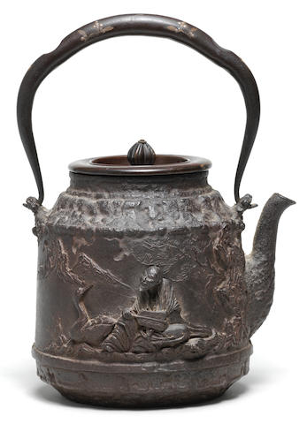 A tetsubin (iron kettle) and cover By Daikoku made for the Seijudo Company, Meiji era (1868-1912), late 19th/early 20th century (2)