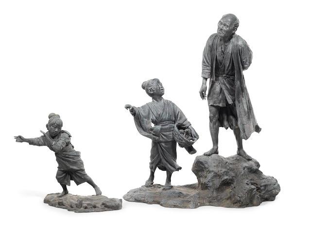 A massive bronze okimono 19th/20th century (2)