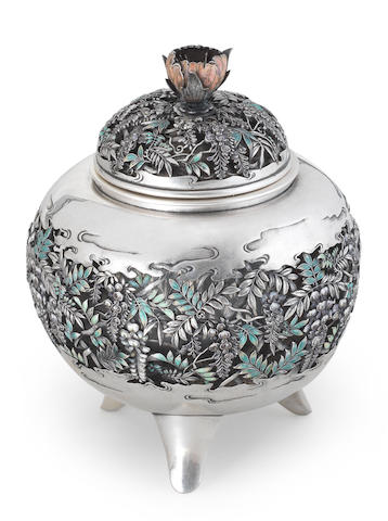 A silver and enamelled koro (incense burner) and cover By Keisai, Meiji era (1868-1912), late 19th/early 20th century (3)