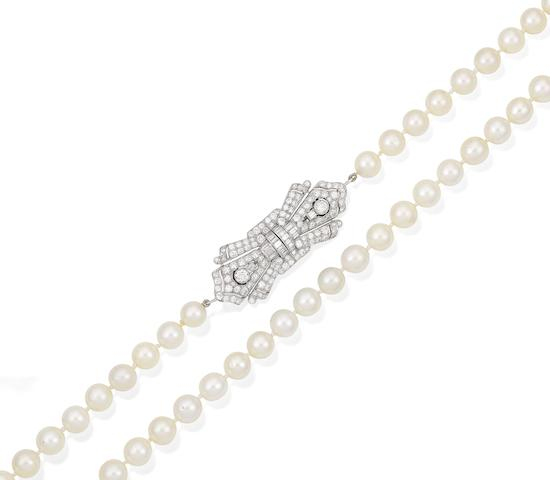 A cultured pearl necklace with a diamond clasp