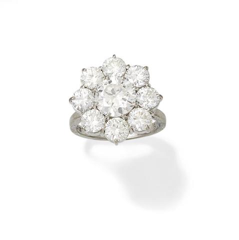 A diamond cluster ring, 1975