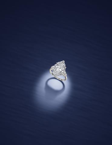 An important diamond ring, by Harry Winston, New York,