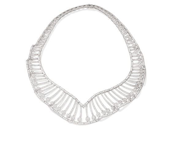 A diamond collar