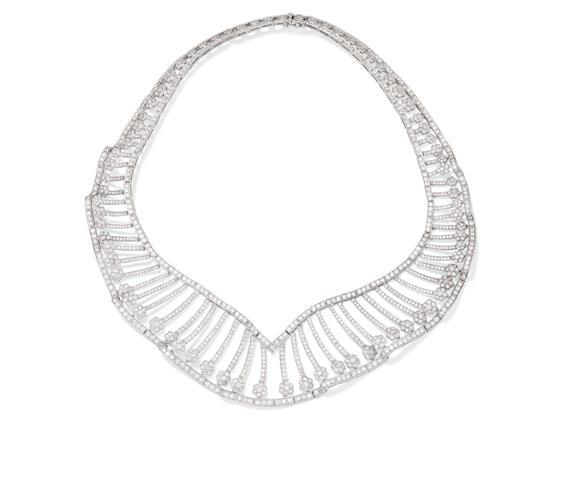 A diamond collar