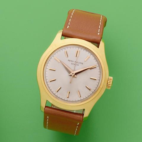 Patek Philippe. An 18K gold manual wind wristwatch with centre seconds  Calatrava, Ref: 2533, Circa 1955