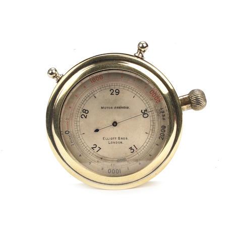 Baromètre anéroïde pour ancêtre automobile par Elliott Bros de Londres,