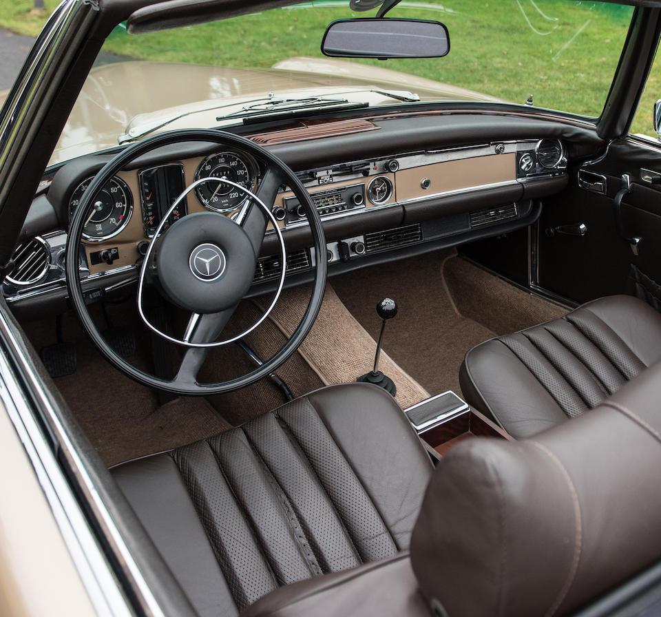 Mercedes-Benz 280 SL cabriolet avec hardtop 1969