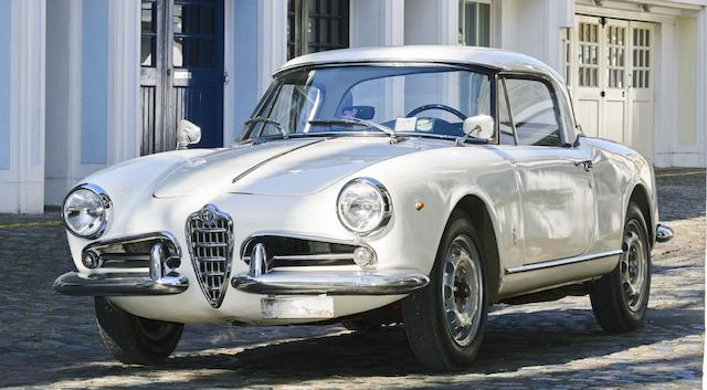 Alfa Romeo Giulietta Spider avec hardtop 1961