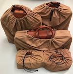 Jeu de cinq bagages en cuir pour Ferrari Testaarossa par Schedoni (Italie),  ((Qty))