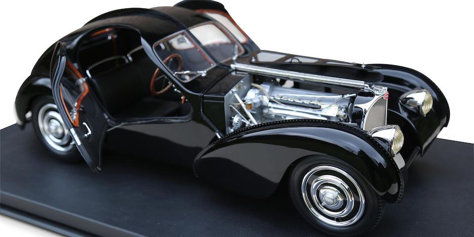 Belle maquette au 1/8e d'un coupé Bugatti 57 SC Atlantic 1938 par Amalgam,