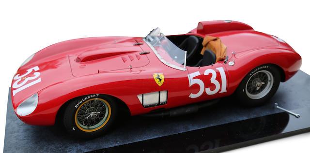 Modèle au 1/8e d'une Ferrari 335 S 1957 par Patrice de Conto,