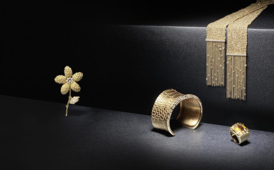 A diamond cuff, by Pomellato