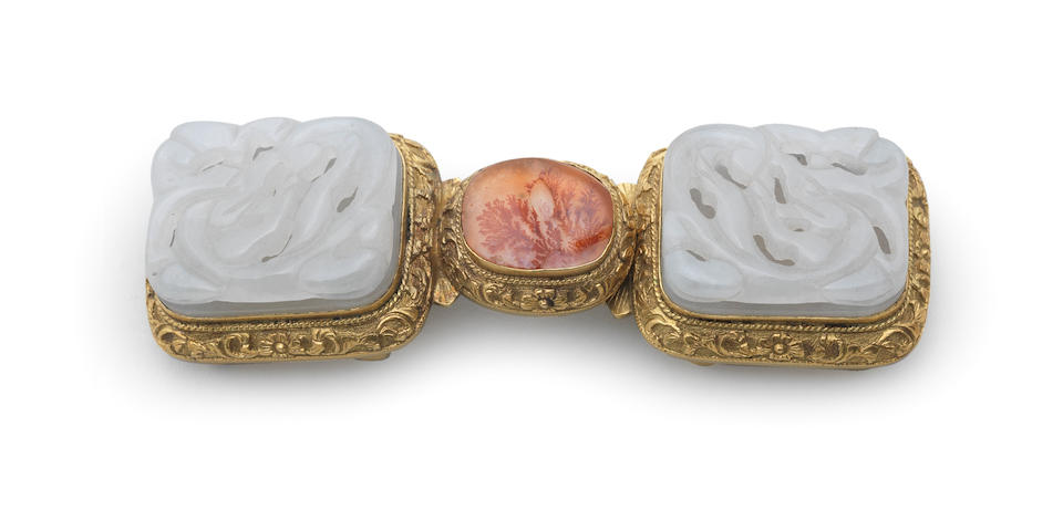 A white jade and agate-inlaid gilt-bronze belt buckle 18th century