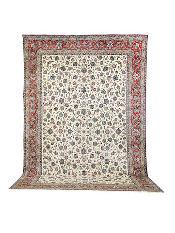 A fine Isfahan carpet Central Persia, 533cm x 347cm
