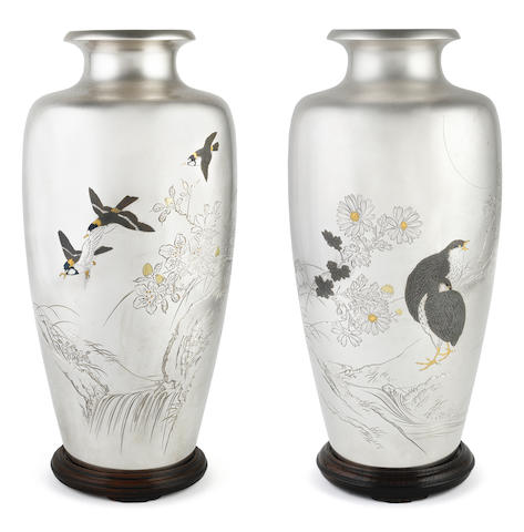 A pair of inlaid silver baluster vases  By Yoshihisa and Shigemitsu, Meiji (1868-1912) or Taisho (1912-1926) era, early 20th century (5)