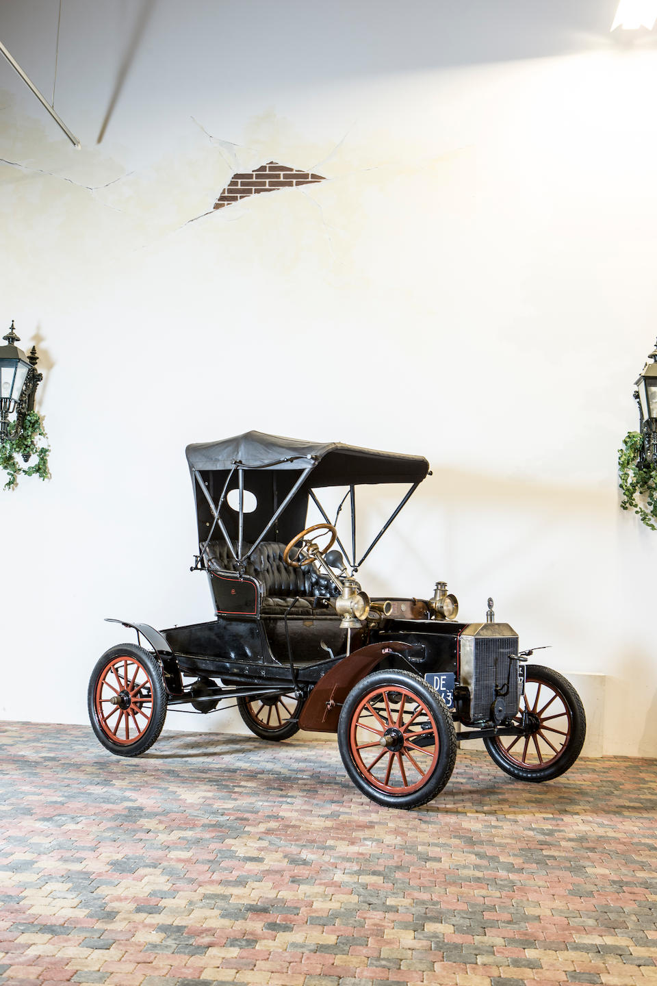 <b>1907 Ford MODEL N 15HP RUNABOUT</b><br />Chassis no. 4908 <br />Engine no. 4908