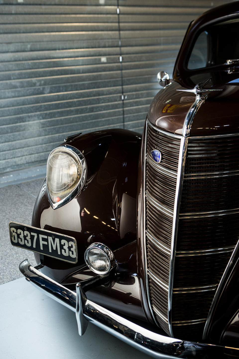 <b>1937 Lincoln Zephyr Coupe</b><br />Engine no. 8351