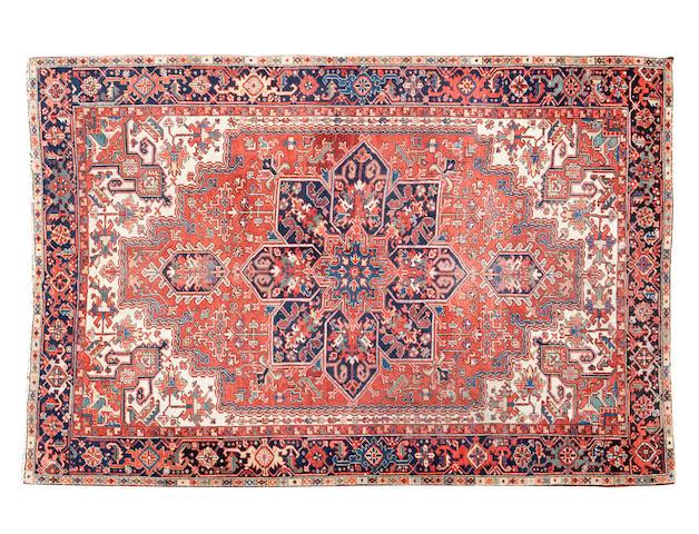 A heriz carpet 322cm x 234cm