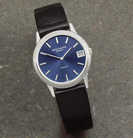 Patek Philippe. An 18K white gold automatic calendar wristwatch retailed by Gübelin  Calatrava, Ref: 3602, Circa 2000