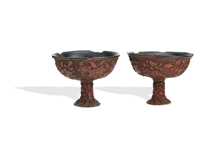 A pair of rare cinnabar lacquer stem cups Ming Dynasty (2)