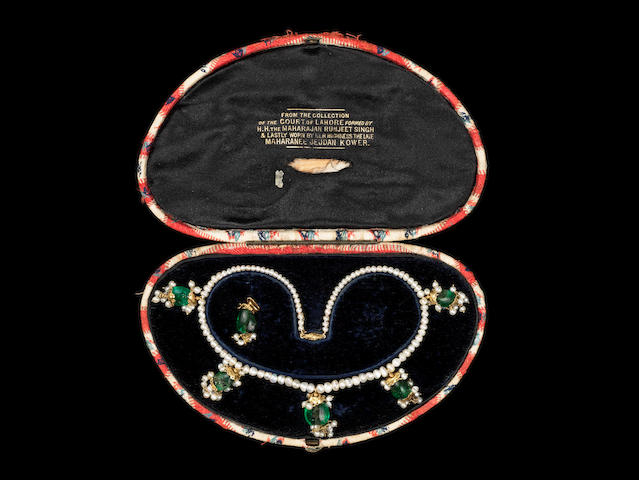 An important emerald and seed-pearl Necklace from the Lahore Treasury, worn by Maharani Jindan Kaur (1817-63), wife of Ranjit Singh, the Lion of the Punjab (1780–1839)  Lahore, first half of the 19th Century
