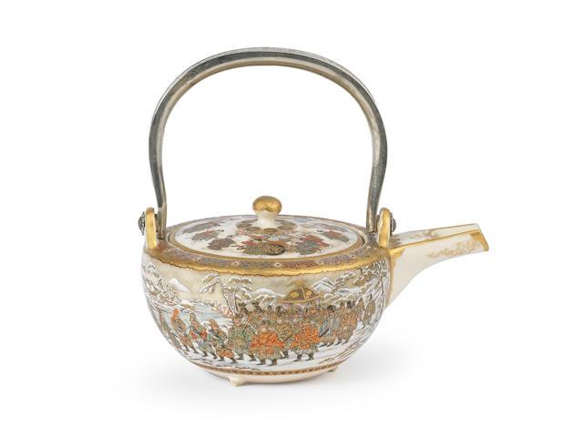 A squat Satsuma teapot By Nakamura Baikei, Meiji era (1868-1912), late 19th/early 20th century (2)