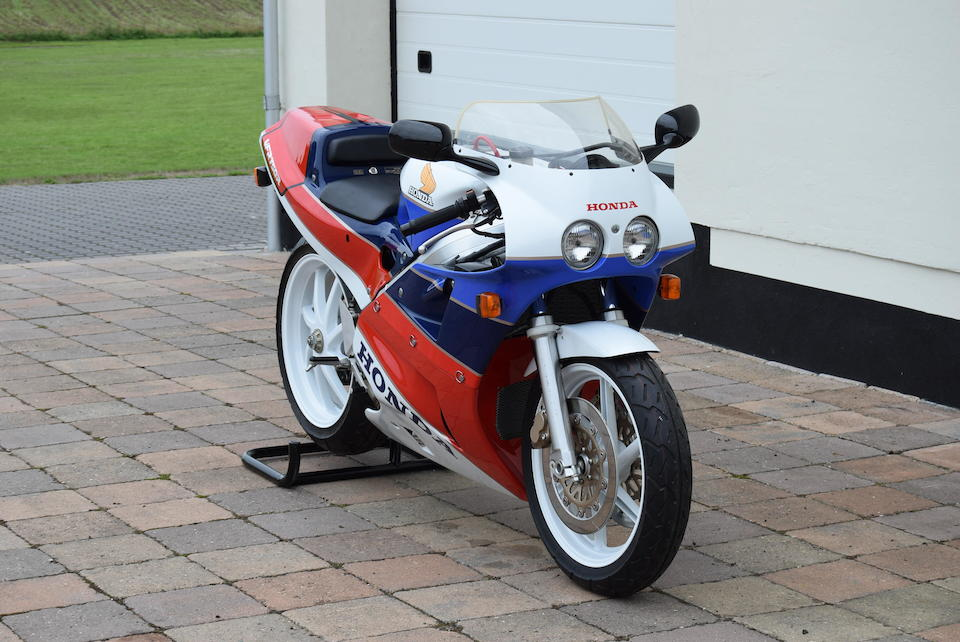 Unused and effectively 'as new',c.1989 Honda VFR750R Type RC30 Frame no. RC30 2000142 Engine no. RC30E 2000177