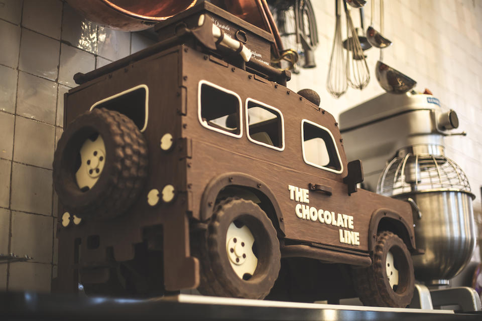 Offered from Land Rover BELUX,2018 Chocolate Land Rover Defender