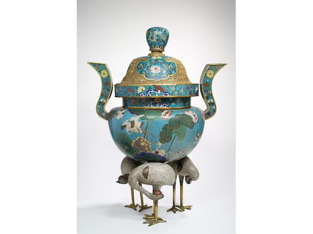 A rare cloisonné enamel and gilt-bronze tripod 'cranes' incense burner and cover Qing Dynasty (3)