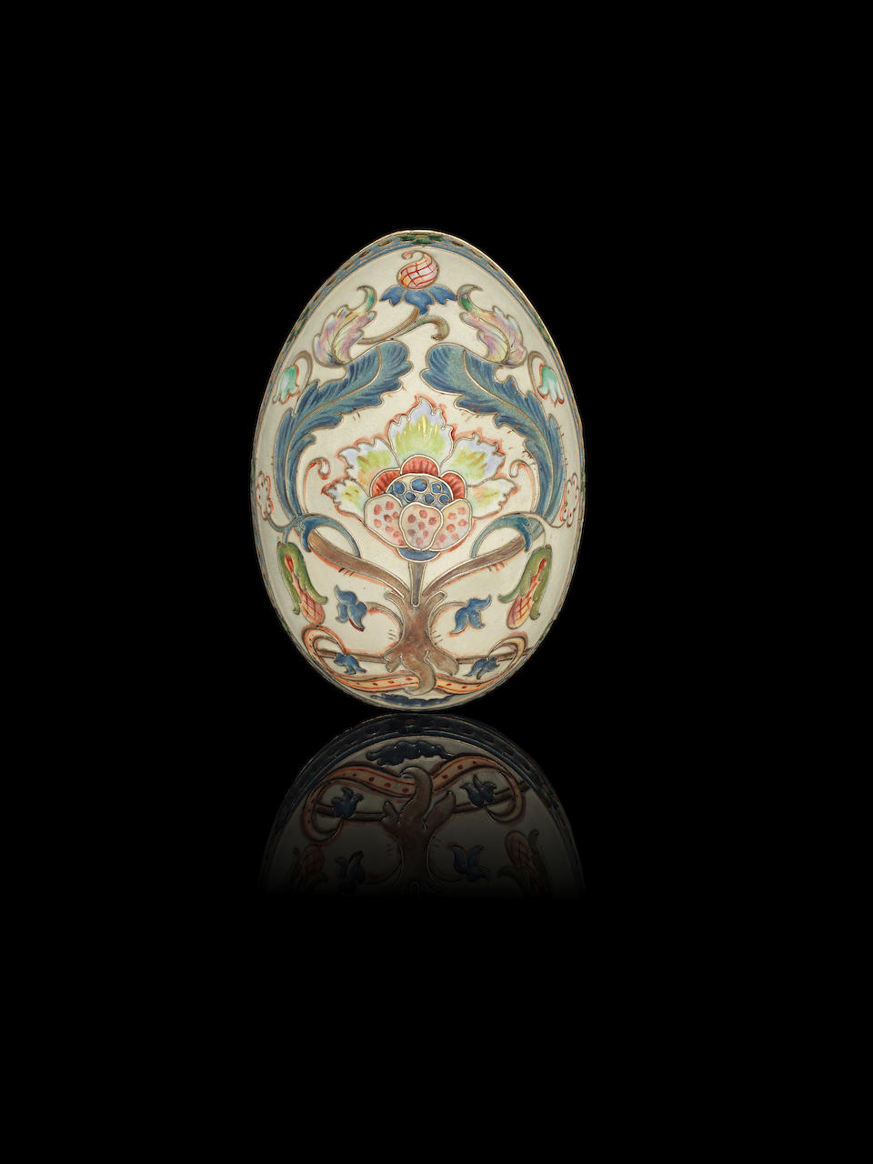 A silver-gilt and enamel easter egg Khlebnikov, Moscow 1908-1917